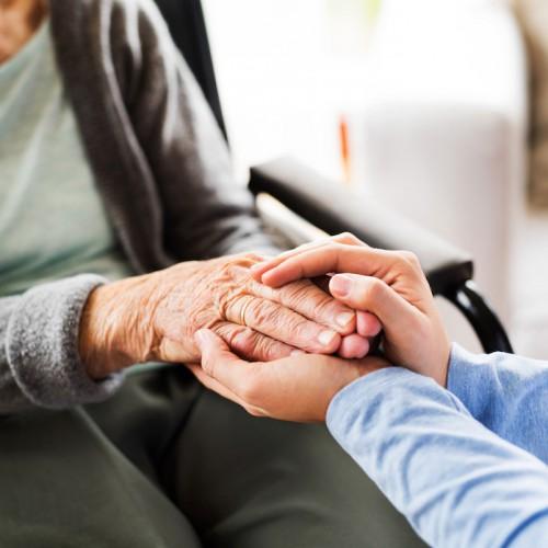 需要大で求人多数!未経験から介護業界に転職した20代女性の体験談