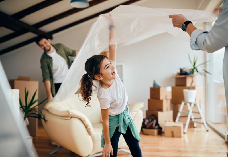 転勤に退職…ペアローンで住宅購入した夫婦を襲った想定外の事態とは?